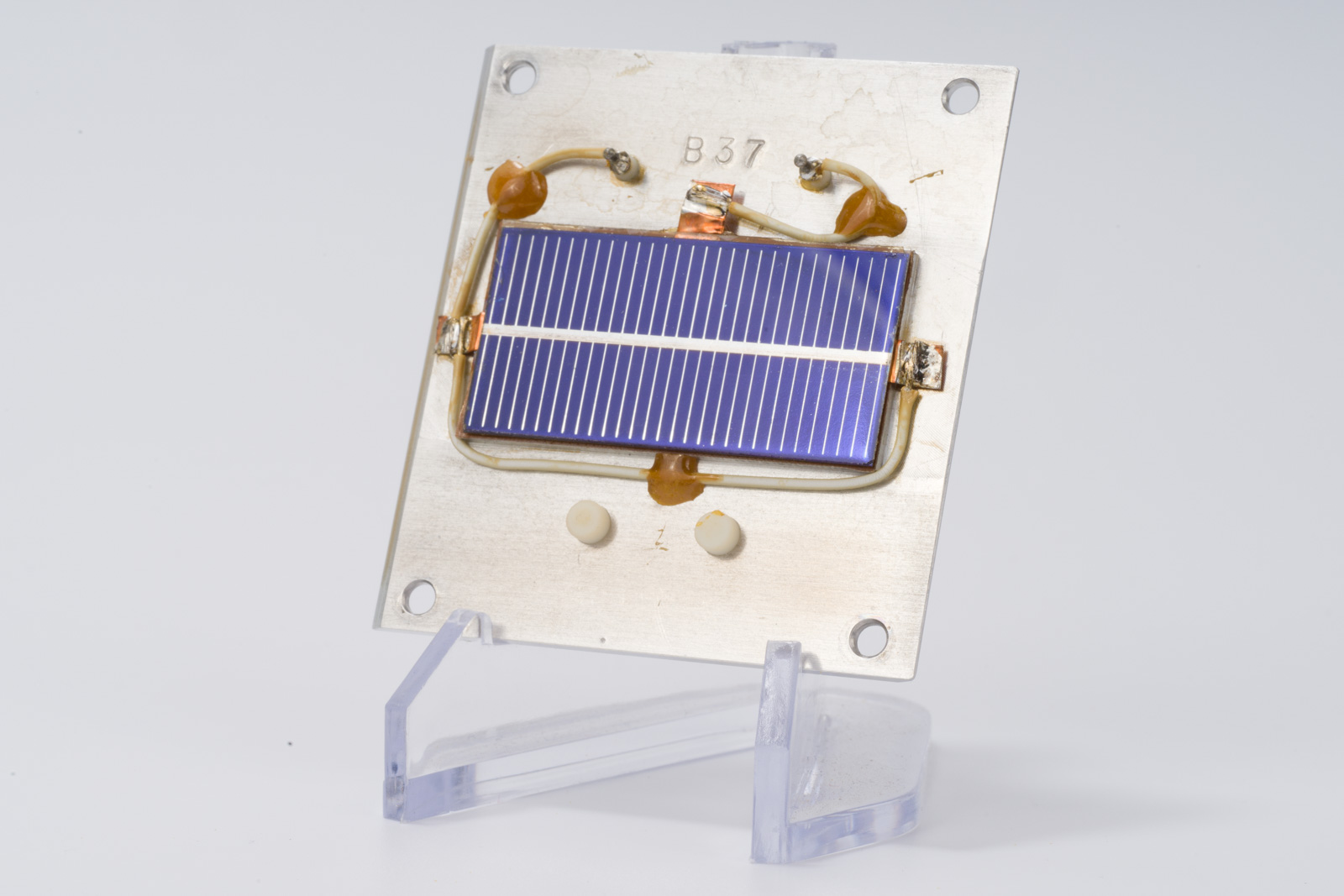 B37 Reference Solar Cell